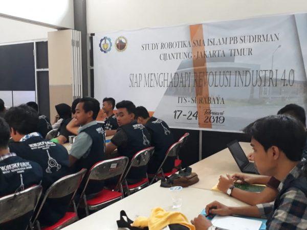 17-02 s/d24-02 2019 Siswa Layanan IT mengikuti Workshop Robotic di ITS Surabaya
